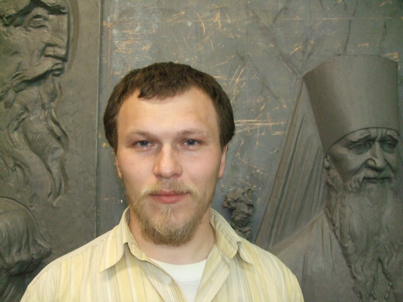 Скульптор Пётр Добаев