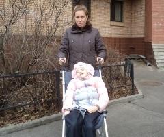 Семья Петровых. Мама Лена с дочкой Викой.