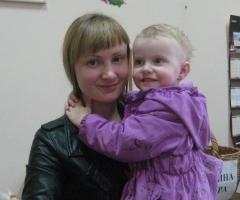 Ксения Ф. с дочкой Машенькой (проект 'Центр профилактики социального сиротства')