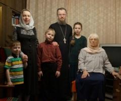 Многодетный священник отец Андрей просит помочь провести газ