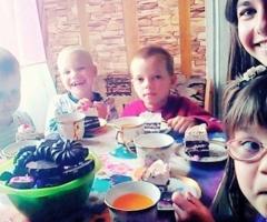 Помогите многодетной семье Гендренус из Кемеровской Области купить холодильник!