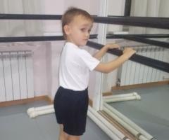Помогите Антошке Куратову оплатить занятия танцами!
