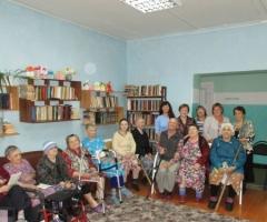 Помогите купить диван старичкам из дома престарелых Архангельской Области