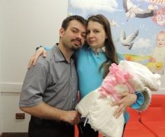 Поможем Светлане и Илье (инвалиды) закупить памперсы, питание и средства по уходу за малышкой!