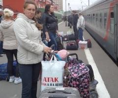 Леночка Петрова с дочкой Викой