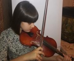 Помогите, пожалуйста, купить Ксении скрипку!