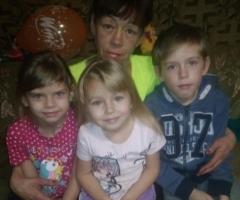 Слезно Вас прошу, помогите нам, пожалуйста! Новикова Л. В., многодетная, одинокая 3 детей