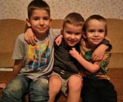 Мы верим, что с Божьей помощью мы справимся с трудной жизненной ситуацией! Боровских Г.А., многодетные 3 детей