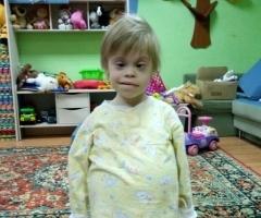 Сирота Оля 8 лет из Азова на реабилитацию