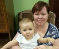 Ольга Г. с малышкой Мирабеллой (проект 'Профилактика социального сиротства')