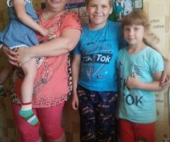 С тремя детьми очень трудно стирать руками! Белоусова М.В., мать- одиночка, 3 детей