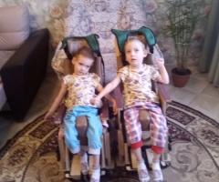 Вера и Надя Веселовы. ДЦП спастический тетрапарез. У Веры структурная фокальная эпилепсия.