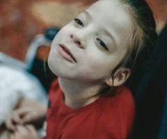 Азалия из Башкирии, 7 лет, сирота. Приехала в Москву на операцию на ножки.