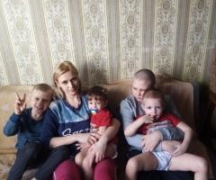 С детьми сняли квартиру, я ушла с ними от мужа, он сильно пьет! Блинкова Е. С., многодетная, 6 детей.