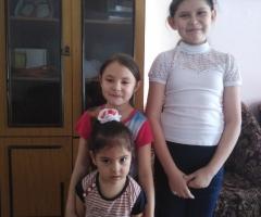 Сейчас мы испытываем трудности, очень просим помочь! Карпова З. Ф., 3 детей.