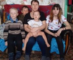 Мой сын Саша - инвалид, он учится на дому. Русинова Т.А., 4 детей.