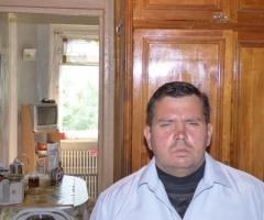 Проживаю в нищете в убогой квартире. Хрыков А.А., одинокий инвалид.