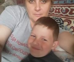 Одна воспитываю ребенка. Демченкова Н.А., одинокая мама.