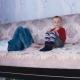 Дети счастливы, что у них теперь есть диван!