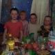 Дети счастливы, ведь им тоже досталось немного сладостей!!!