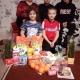 Мы купили продуктов и фруктов детям, мыло, порошок и много еще всего!