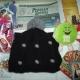 Новогодние подарки, игрушки, литература детская, шапка, блокноты