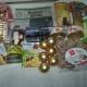 Новогодние подарки, новогодние украшения,шоколадная паста, кукуруза, попкрон, икра трески, паштет, сахар, пряники, чай