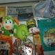 Новогодние подарки, печенье, паштет, какао, кукуруза, литература детская, игрушки