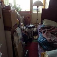 Комната по-прежнему требует ремонта