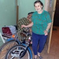 Радость у Галины Дмитриевны:  велосипед пожертвовала  благотворительница из Москвы