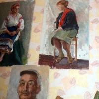 Картины нарисованы Галиной Дмитриевной  (по образованию она педагог по рисованию)