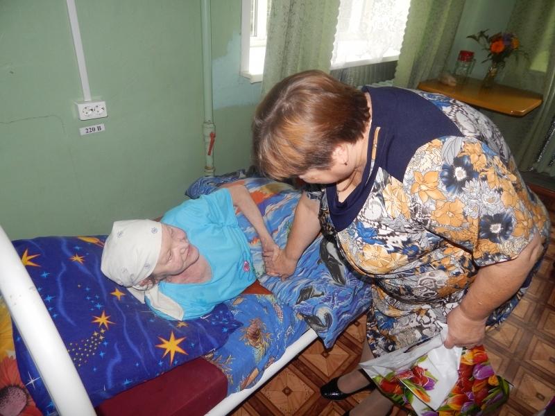 Дом престарелых памперсы домашние платье халаты для пожилых людей